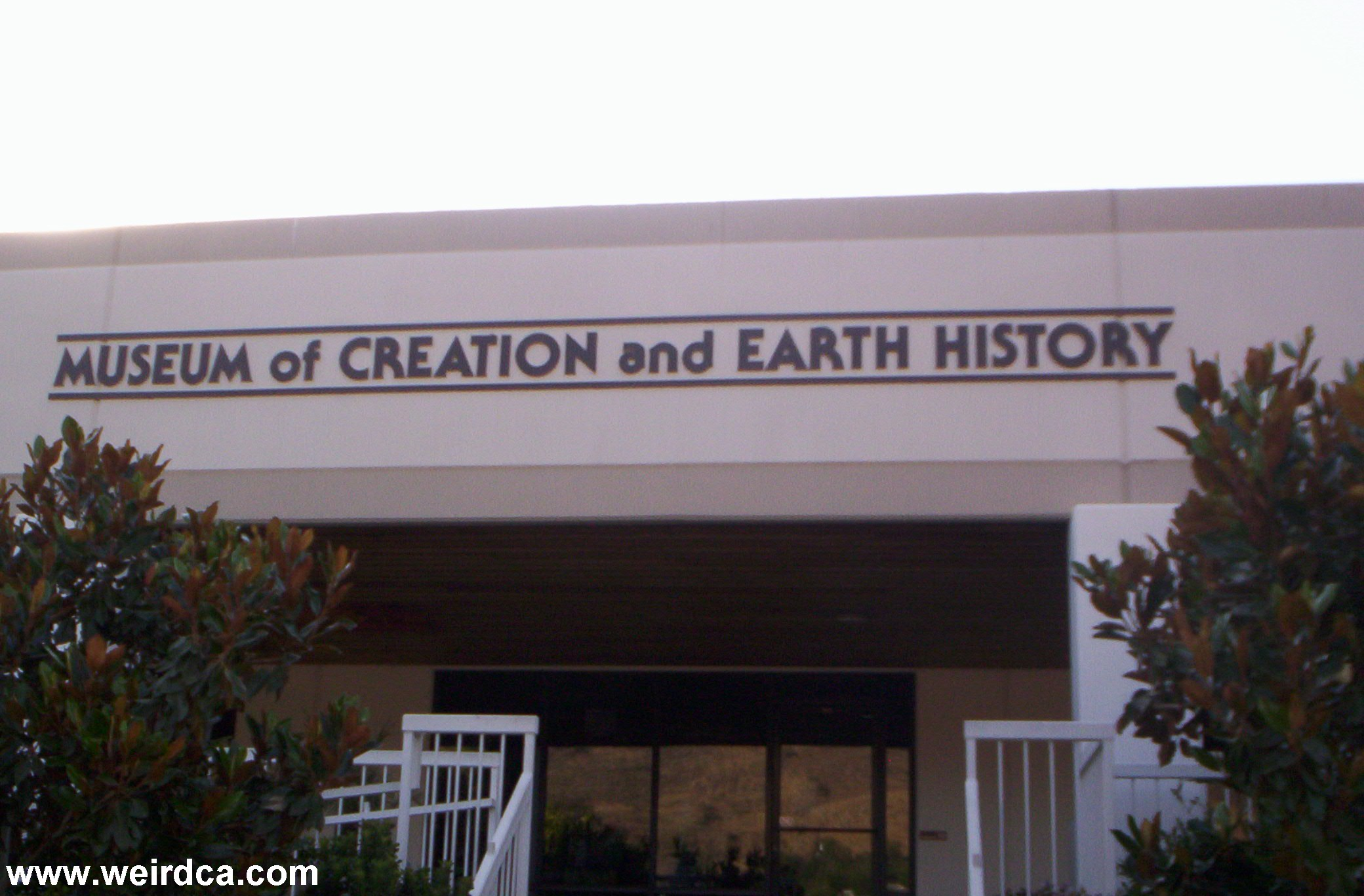 museum of creation and earth history weird california