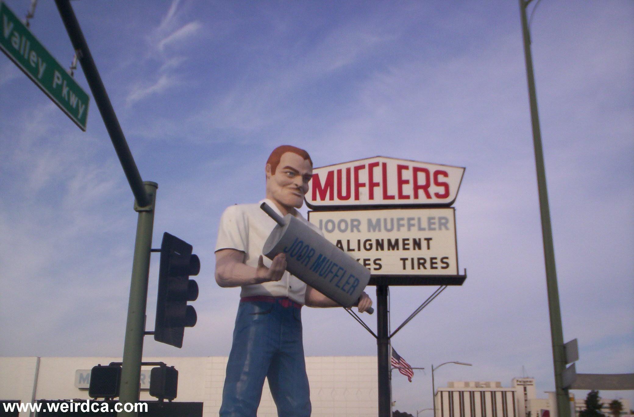 """Résultat de recherche d'images pour """"giant muffler shops images"""""""