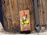 Skateboarding Gnome