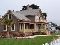 Captain Cass's House in Cayucos down by the Pier