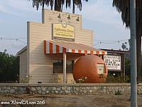 Replica of a giant orange stand in Riverside