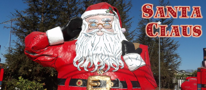 This 18' tall Santa Claus in Oxnard, just off of Highway 101, use to be located on Santa Claus Lane in Carpenteria.